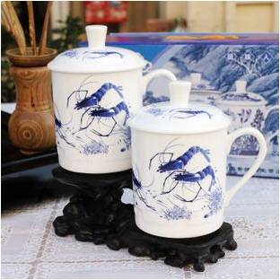 blau wei e garnelen 1 sch ne tasse aus bone china porzellan teetasse mit deckel einzeltasse. Black Bedroom Furniture Sets. Home Design Ideas