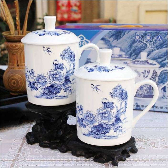 blau wei e pfingstrosen 3 sch ne tasse aus bone china porzellan teetasse mit deckel. Black Bedroom Furniture Sets. Home Design Ideas